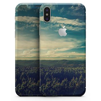 Country Skyline - iPhone X Skin-Kit