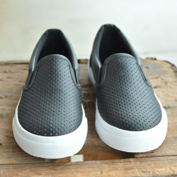 Can't Go Wrong Sneaker - Black