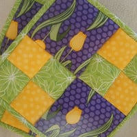 Yellow Tulip Quilted Potholders - Set of 2