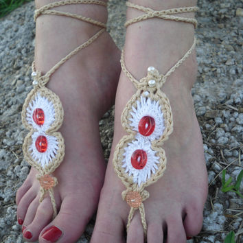 Beautifull crochet barefoot sadnals with buttons and pearls, foot jewelry, beach