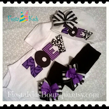 Newborn girl outfit, coming home baby bodysuit, beanie hat with name and bow