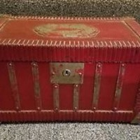 vintage wooden box. shabby chic trinkets or display 10.5 x 6 x 6 NEW LOWER PRICE