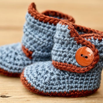 Crochet Baby Booties - Baby Boots - Blue and Brown Baby Shoes Brown Button - Blue Jean Denim - UGG Inspired