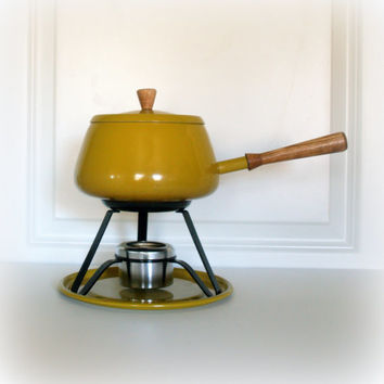VINTAGE YELLOW FONDUE Pot Set - Mid Century Modern - Retro - Kitchen - Housewares - Party Supply - Funky - Fun - Harvest Gold with Stand Lid