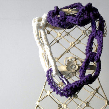 purple chain scarf, circle scarf,chunky crochet scarf, wool necklace