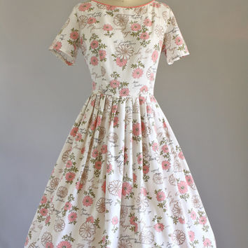 Vintage 50s Dress/ 1950s Cotton Dress/ The Garden of Flowers Dress w/ Waist Tie M