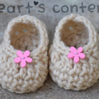 Newborn Baby Booties with Pink Wood Flower baby shoes baby slippers crochet