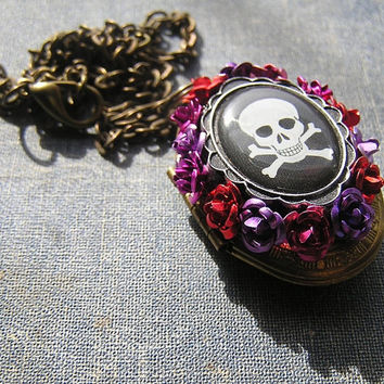 Day of The Dead Frida Pendant Charm Necklace 16 inch Working locket with mini Voodoo Man inside Roses Crossbones