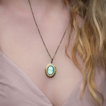 Turquoise Blue Cameo Necklace Aqua Blue Cameo Oval Locket Pendant Gold Brass Locket Romantic Jewellery Vintage Style Photo Locket Keepsake