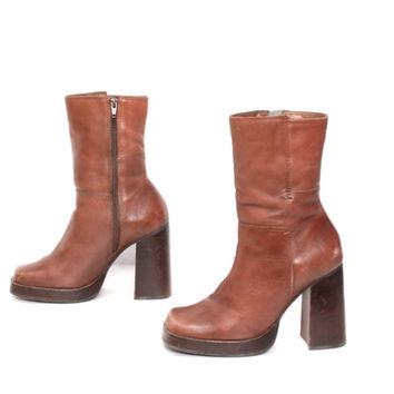 size 7.5 PLATFORM brown leather 80s 90s CANDIES zip up ankle boots