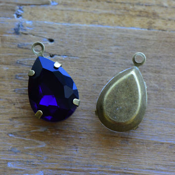 2 - Teardrop Jewel Charms MIDNIGHT BLUE Drop Gem Pear 13x18mm Brass Claw Setting Charm or Link Gold Antique Bronze Silver (AY064)