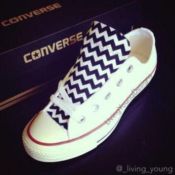 CREYUG7 Custom Converse Low Top Sneakers Black White Chevron Chuck Taylors