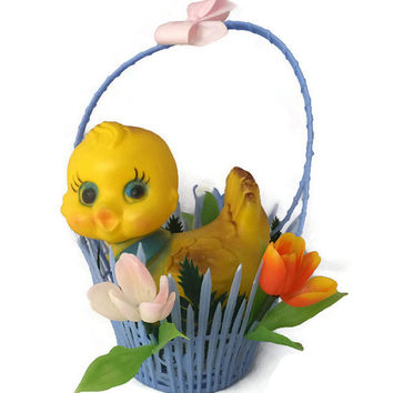 Plastic Basket with Chick - Springtime Basket, Spring Decoration, Easter Decor, Mid Century, Home Accent, Retro Kitsch