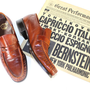 70s mens loafers by Florsheim. Brown leather Mint vintage dress shoes. Slip  on shoes