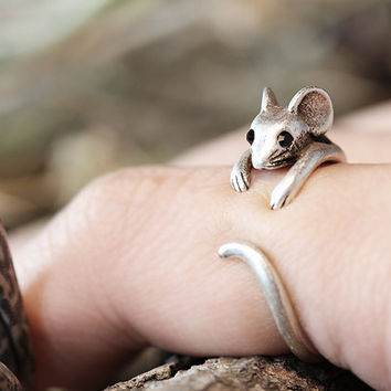 Adjustable cute mouse ring ; everyday ring ; chic , simple , modern and delicate ; animal ring ; gold ring ; silver ring
