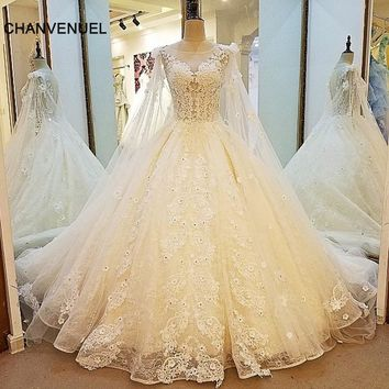 LS00013 gorgeous bridal gown sexy see through back ball gown lace wedding dress with long cape vestidos de noiva real photos