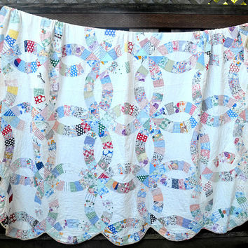 Vintage Double Wedding Ring Quilt, Full Size, Hand Stitched Feedsack Quilt, Picnic Blanket, Clean and Soft, Repaired, 1930s-1940s