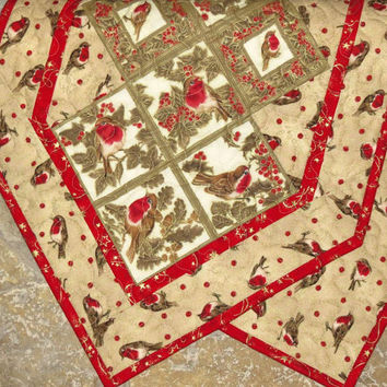 Table Runner, English Robin, Quilted, Tan, Red, Ivory, Gold
