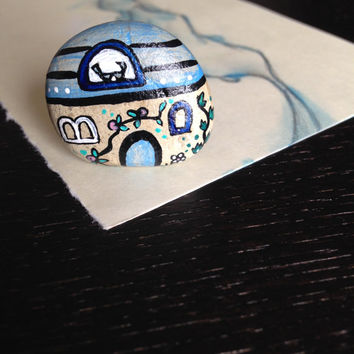 Blue dream house small handpainted stone magnet