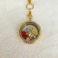 Large 30mm stainless steel gold Grandma memory locket For Mom with choice of stainless steel chain
