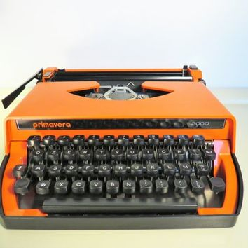 Vintage Manual Portable Typewriter Primavera 2000 Orange Color Working Typewriter Home Decor Christmas Gift Made in Italy Retro 80s