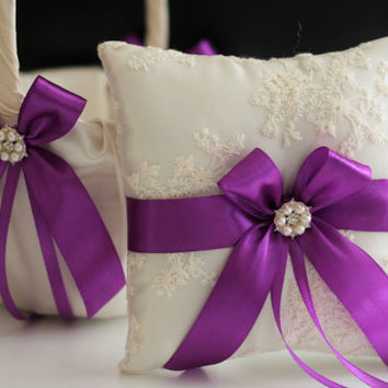 Ivory and Purple Wedding Pillow Basket Set \ Ivory Lace Ring Bearer Pillow + Purple Bow and Pearl Brooch \ Ivory Violet Flower Girl Basket