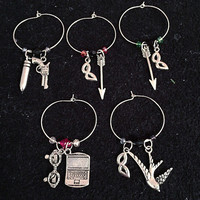 Arrow SET of 5 Inspired DELUXE Wine Charms , Wine Accessories, Wine Charms, Fandom Accessories, Arrow CW Inspired Accessories, Oliver Queen