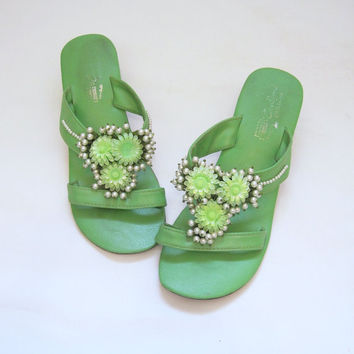 SALE 20 Off Vintage 60s Beaded Green Sandals 7 75 by voguevintage