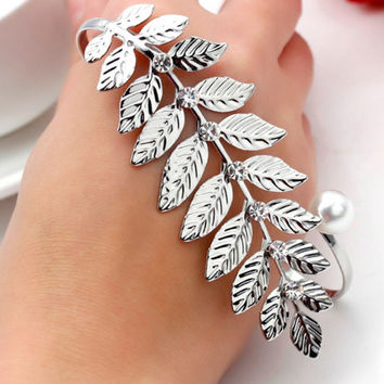 Silver Leaf Bangle - Adjustable leaf cuff - Leaf bracelet - Arm cuff - Druid bracelet - Druid Bangle - Nature Bangle - Celtic Bracelet