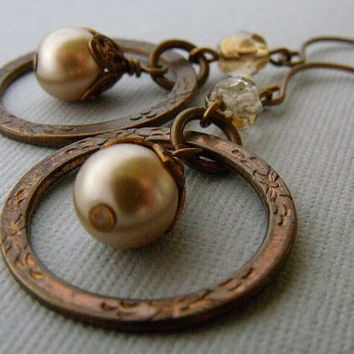 Dangling Antique Brass Pearl Earrings, Circle Earrings, Pearl Earrings, Ivory pearl earrings