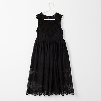 "The ""Julianna"" Girls & Tween Lace Flower Girl Dress - Black"