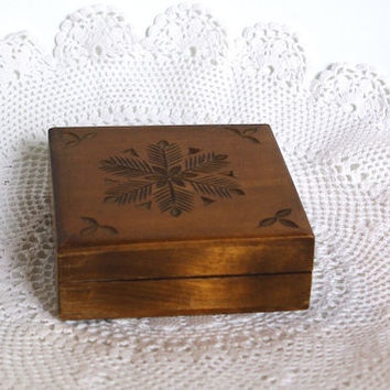Vintage Wooden Jewelry Box, Ornament wood box, Pyrography Trinket Box, Hand made Treasury box hand carved box Soviet Decor Polish box 80's