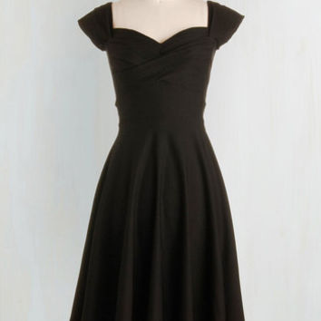 Pinup Long Short Sleeves A-line Pine All Mine Dress in Noir