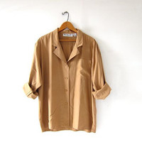 vintage caramell brown silk shirt. slouchy silk blouse. silk pocket shirt. long sleeve silk top.