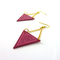 CD recycled Earrings : Inverted triangles fuchsia pink with candy-pink scrolls, and gold chains - by Savousepate