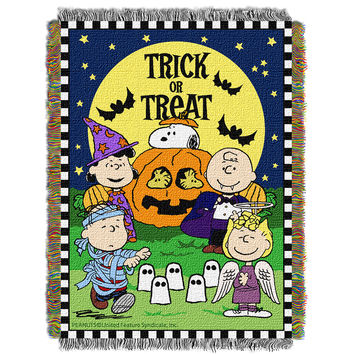 Peanuts Spooky Gang  Woven Tapestry Throw (48inx60in)