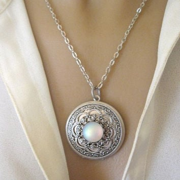 Moon, LOCKET, Silver Locket Necklace, Silver Moon Locket, Moonstone Locket, Moon Jewelry, Enchanted Moon Locket,Moonstone Jewelry,Full Moon
