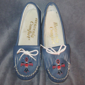 Vintage Handmade Heavenly Comfort Leather Beaded Moccasin Flats - Size 8