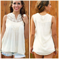 SZ MEDIUM Lakeville Ivory Lace Top