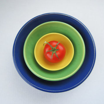 Bright Colored Nesting Bowls - Blue/Green/Yellow