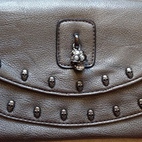 SEXY SKULLS & PEARLS PEWTER GREY PEBBLED LEATHER STUDDED CLUTCH HANDBAG REPUBLIC