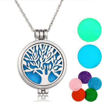 FREE GIFT W/ S&H Aromatherapy Necklace Essential Diffuser Necklace with 7 Felt Pads Tree of life pattern.