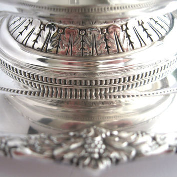 Antique Rogers Bros 1847 Marquise Silverplate Gravy Boat with Tray c 1930