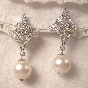 Vintage Art Deco White Ivory Pearl & Crystal Rhinestone Bridal Dangle Earrings Clip Back EXQUISITE Fleur-de-lis Drop Earrings 1920s