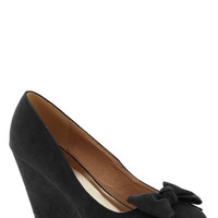Party Hostess Wedge in Black