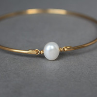 Gold Freshwater Pearl Bracelet, Elegant Gold Bracelet, Pearl Bangle, Gold Bangle Bracelet, Gold Bracelet, Bridesmaids Gifts, Minimalist