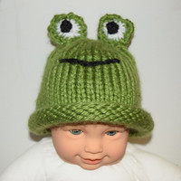 Hand knit baby frog hat, newborn photo prop, made to order, frog beanie, animal hat, baby shower gift, baby boy hat, baby girl hat