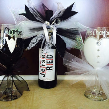Bride and Groom Glass, Mr and Mrs Glass, Bridal Shower Gift Custom made hand painted - set of 2 glasses