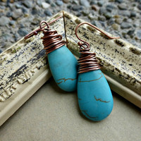 Wire wrapped copper and Howlite Turquoise teardrop earrings. Stone and metal.