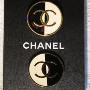 Authentic vintage Chanel black & white enamel and gold plated earrings, circa 1990